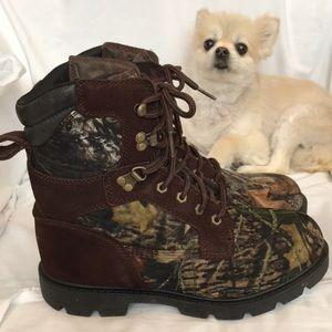 BRAHMA camo hunter boot. EUC. Size 8